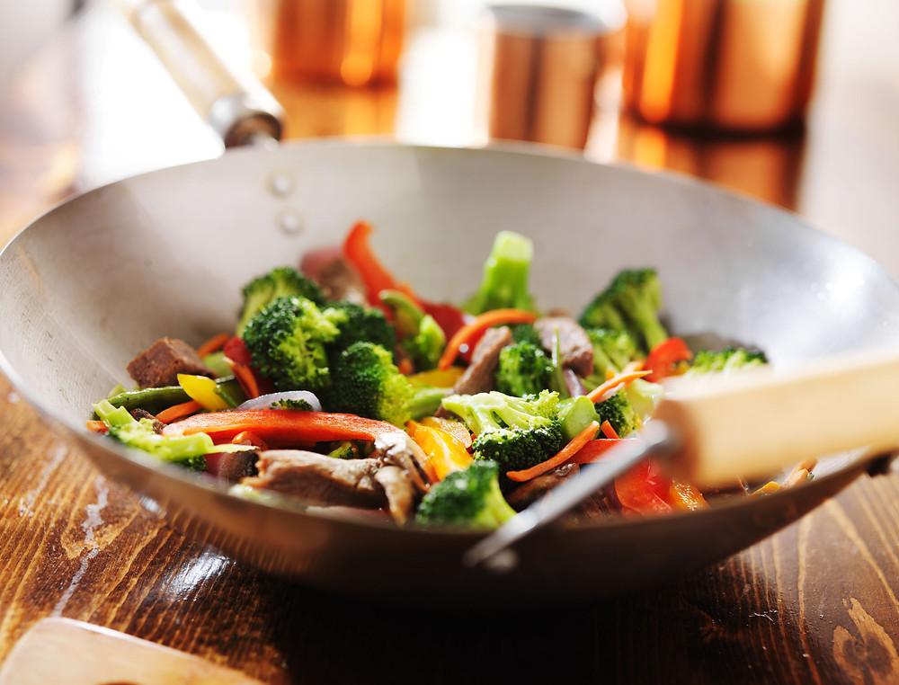ירקות מוקפצים בטעם מזרח רחוק