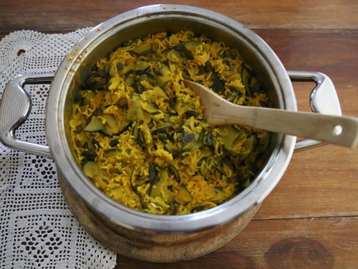 אורז צהוב בירוקים וגרעיני חמניה