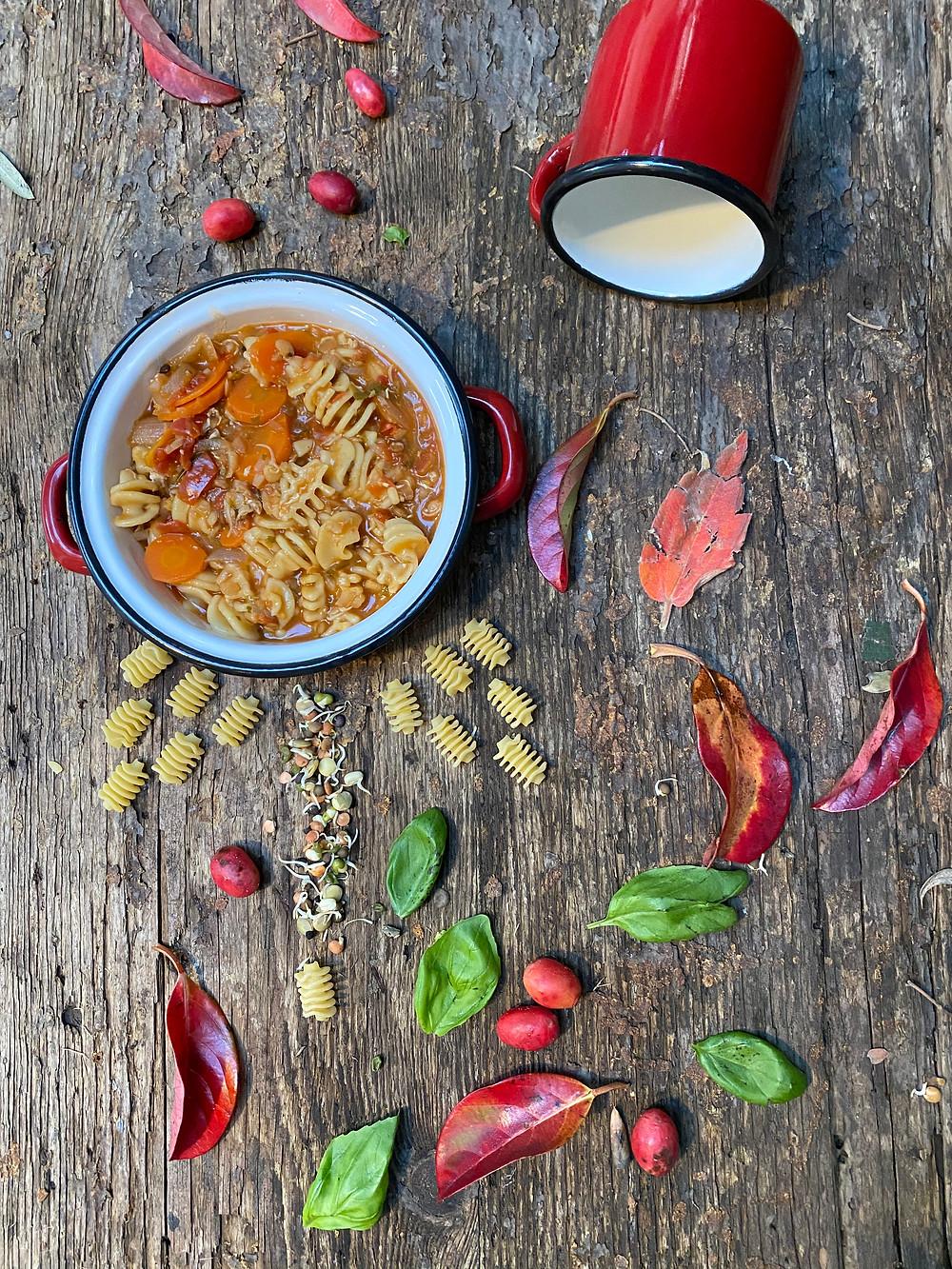 מרק חרירה טבעוני. צילום עודד חוברה