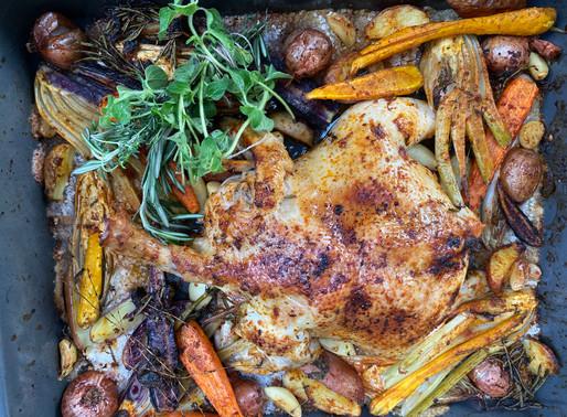 עוף שלם במלח גס, ירקות שורש ובּוּקהּ גָּרְנִי