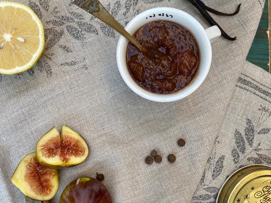 ריבת תאנים בטאץ' איטלקי עם יין אדום וחומץ בלסמי