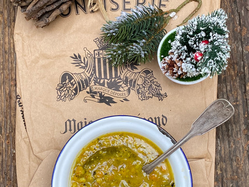 מרק ירוק טבעוני עם כופתאות גונדי פרסי