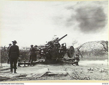 Qld VDC train with 3.7 inch antiaircraft