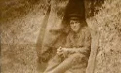 Guy in his dugout at Gallipoli.jpg