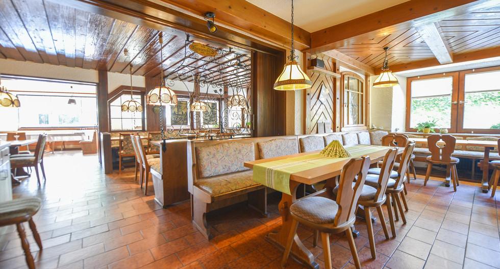 restaurant0005.jpg