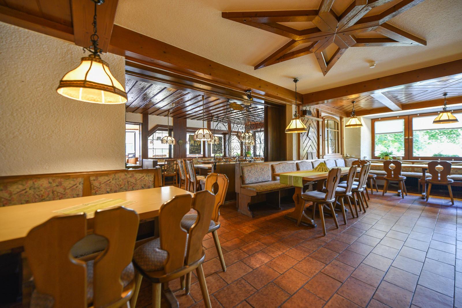 restaurant0002.jpg
