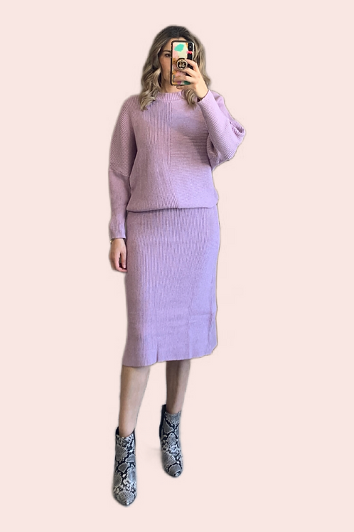 Set sweater y falda midi tejido lila
