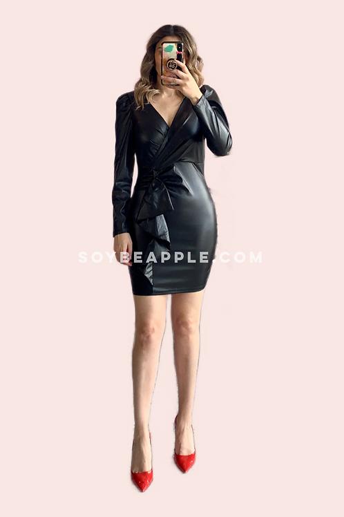Vestido mini negro tipo piel