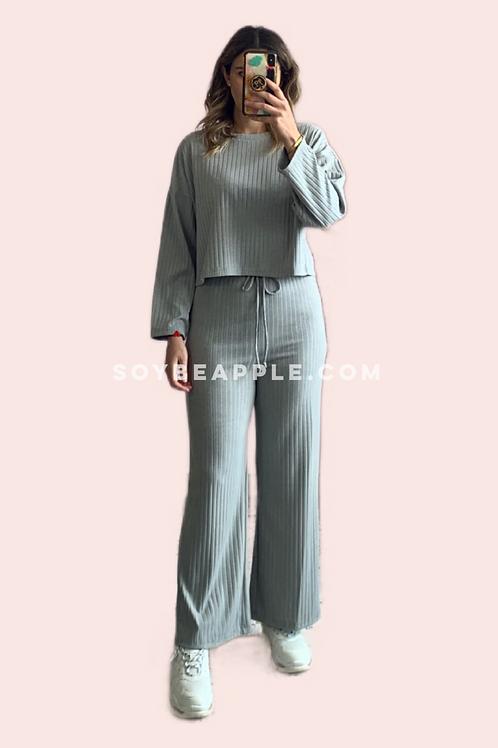 Set loungewear blusa y pantalón