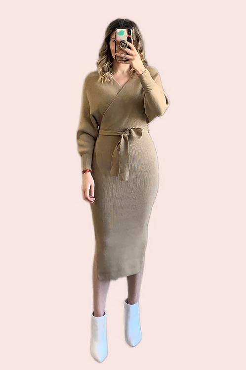 Sweater dress cuello V midi moka