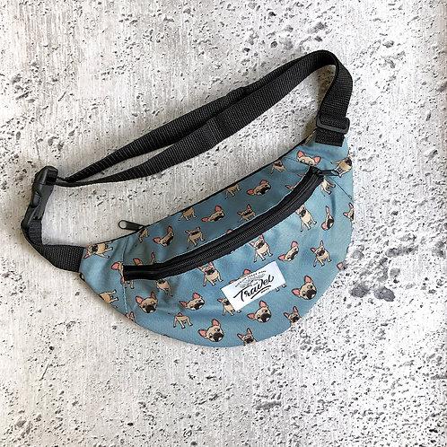 Поясная сумка TRAVEL Бульдоги голубая