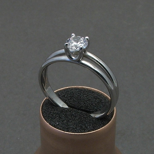 Brilliant ring 4