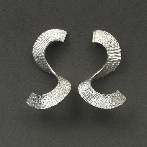 Scratch earrings
