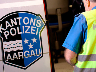 Gränichen: Nach Kollision weitergefahren - Polizei sucht Fahrer eines weissen SUV