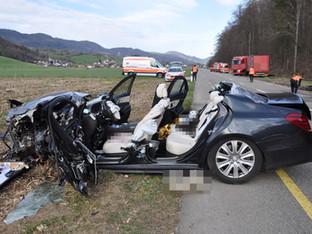 Herbetswil: Kollision zwischen Auto und Sattelmotorfahrzeug