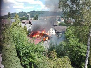 Holzschopf in Staffelbach ein Raub der Flammen