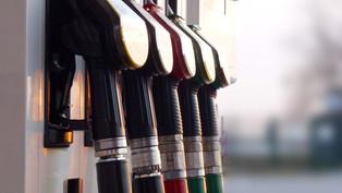 Benzinpreise explodieren: Verpassen Frustrierte dem Bundesrat Denkzettel mit Nein zur Covid-Vorlage?