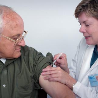 Das Rennen um den COVID-19 Impfstoff – wer liegt vorne und wann damit gerechnet werden?