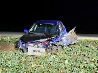 Buttwil: Auto mehrfach überschlagen - Fahrer haut ab, ohne sich um Verletzte zu kümmern