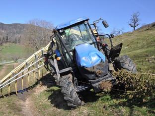 Mümliswil: Traktor überschlagen - Landwirt mit Rega ins Spital