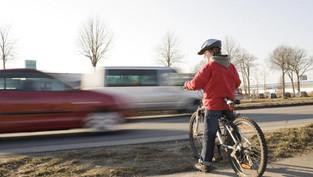 Turgi: Verletzte Fahrradfahrerin nach Kollision mit Personenwagen