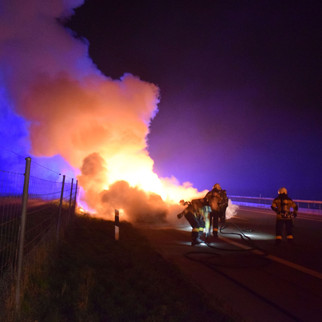 Autobahn A1 bei Oberbuchsiten: Auto vollständig ausgebrannt