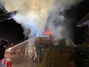 Oberkulm: Brand verwüstet Mehrfamilienhaus an der Dorfstrasse
