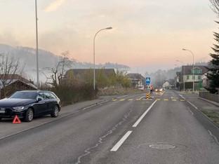 Sarmenstorf: 20-jährige Fussgängerin auf Zebrastreifen von Auto erfasst