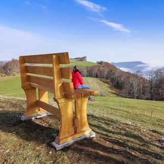 """Naturpark Thal: Gigantische Bank auf dem """"Güggel"""""""