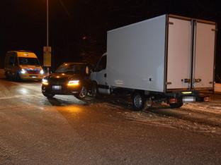 Riedholz: Auto und Lieferwagen kollidiert - eine Verletzte