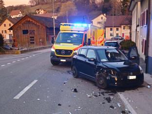 Zullwil: Seitlich-frontale Kollision zwischen zwei Autos – ein Fahrzeuglenker verletzt