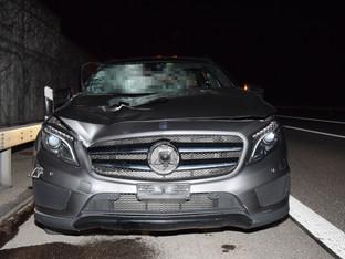 Flumenthal: Mann wird auf A1 von Auto erfasst und schwer verletzt – REGA im Einsatz