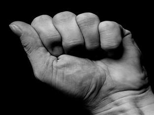 Zwei Personen bei Auseinandersetzungen verletzt – mutmasslicher Täter festgenommen