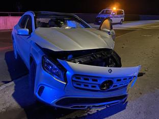 Niederwil: 17-Jähriger flüchtet vor Polizei und schrottet Mercedes