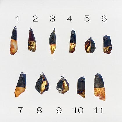 バルト海の琥珀アクセサリー:ペンダントトップF(M〜Lサイズ)