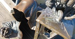 港町クライペダの個性的な彫刻群