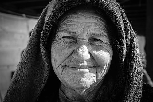 MELANIE VAXEVANAKIS / Older Woman