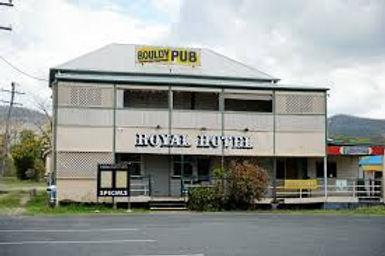 Bouldy Pub.jpg