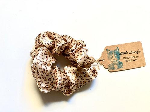Little Larry's scrunchie leopard print