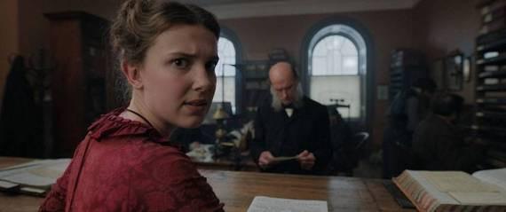 Millie Bobby Brown e Henry Cavill aparecem nas primeias fotos de 'Enola Holmes', filme da Netflix
