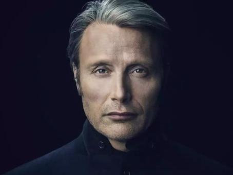 Mads Mikkelsen é confirmado no lugar de Johnny Depp em 'Animais Fantásticos 3'