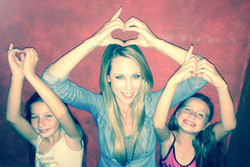 Renate endorses One Heart For Kids