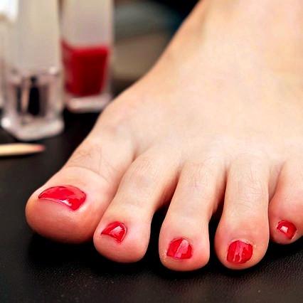foot-2488528_640_edited_edited.jpg