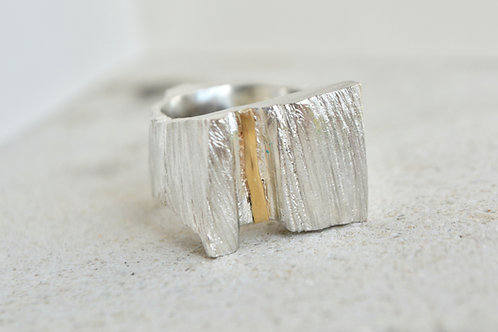Heavy weight mixed metal ring