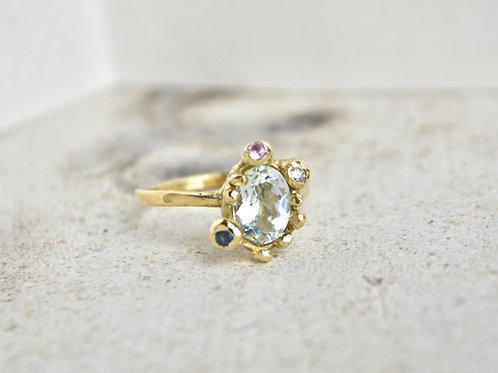 Aquamarine, sapphires and diamond mix