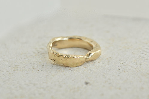 Gold Textured band