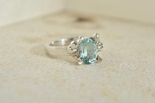 Rare madagascar aquamarine and diamond ring
