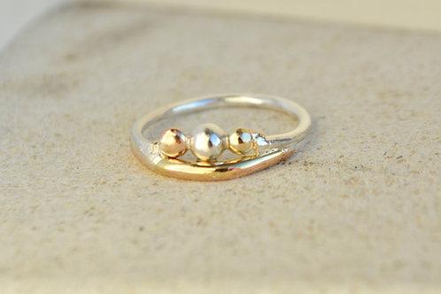Trio pebble ring