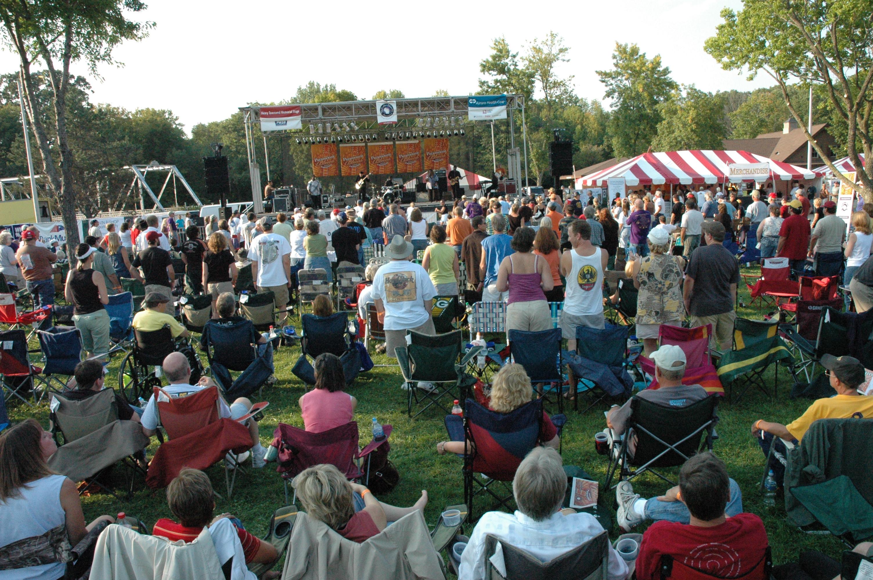 2008-Crowd3.jpg