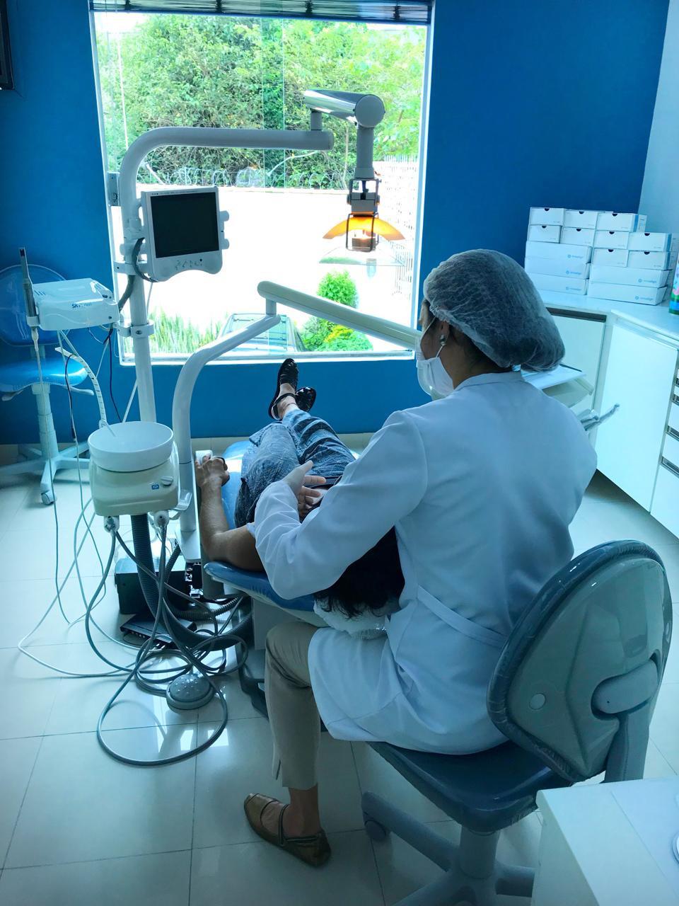 trabalho postural da Técnica Alexander. na. prática da. odontologia no consultório